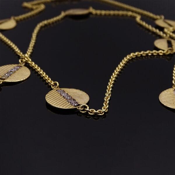 Catena con cerchi in argento dorato e zirconi (NA_E574_Co_O) dettaglio