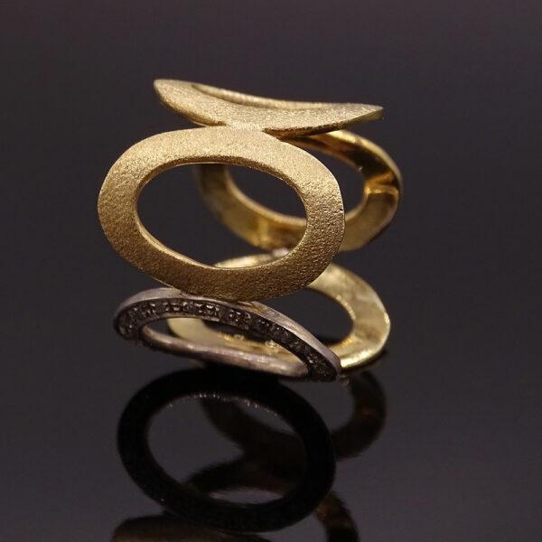 Anello argento dorato con zirconi (NA_E513_An) lato